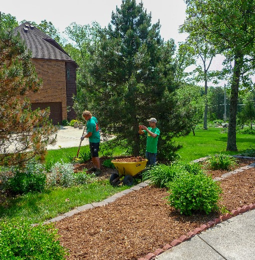 Landscaping in Phelps and Pulaski County, Missouri